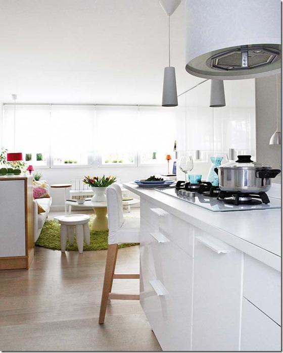 virtuve mazā dzīvoklī