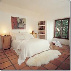 grīdas paklāji guļamistabai