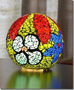 lampa mozaika no stikla gabaliņiem