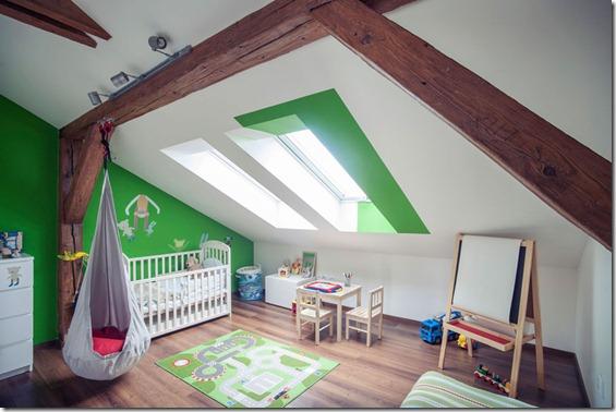 bērnistabas interjers mansarda dzīvoklī