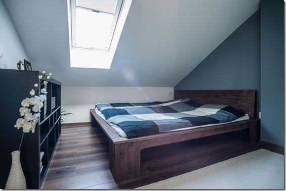 guļamistabas interjers mansarda tipa dzīvoklim