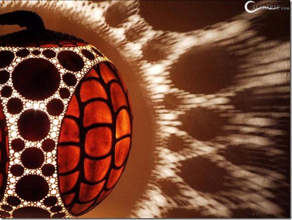 dizaina lampa no ķirbja