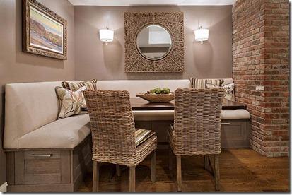virtuves stūrītis ar pītiem krēsliem