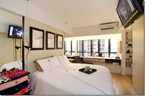 guļamistaba ar bīdāmajām durvīm