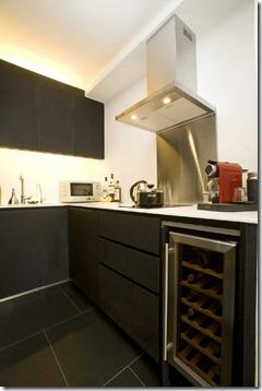 mazas stūra virtuves